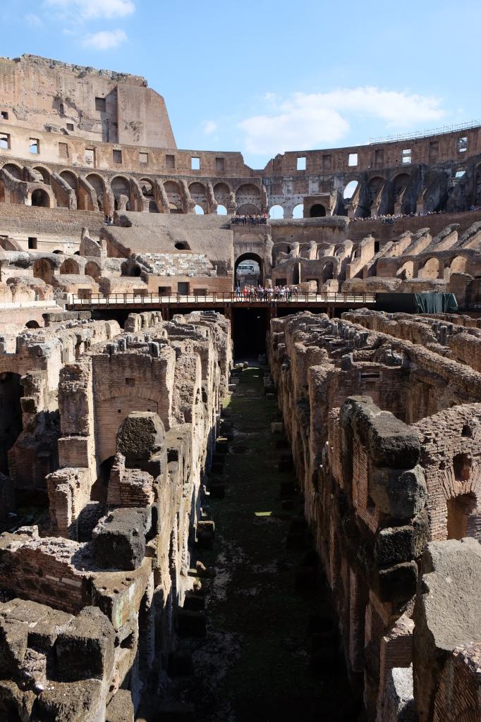 Et nesten folketomt Colosseum er ikke hverdagskost.